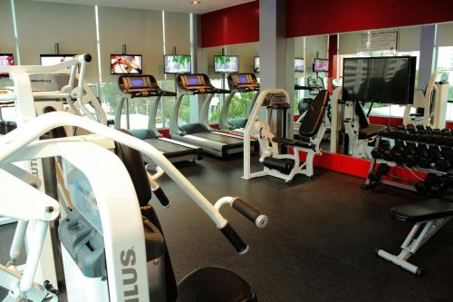 The fitness center and/or fitness facilities at Ramada Plaza by Wyndham Panama Punta Pacifica