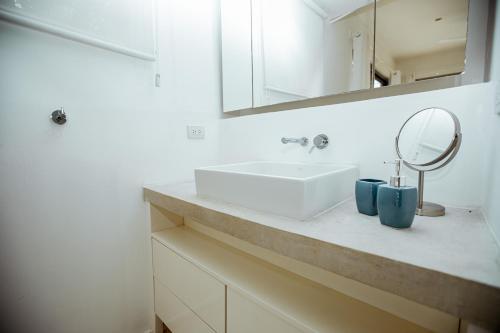 A bathroom at Akwa Resorts Ocean View