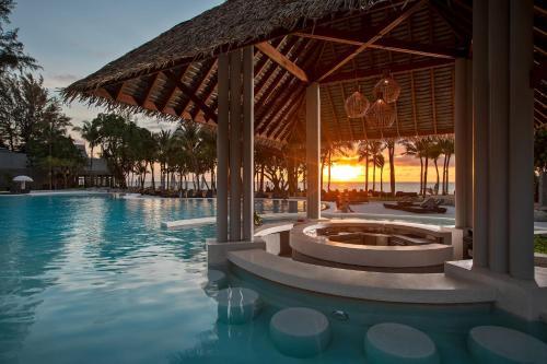 Бассейн в Natai Beach Resort and Spa - SHA Plus или поблизости