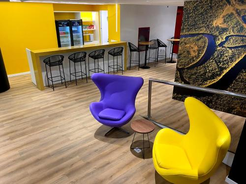 The lounge or bar area at ibis Styles Belem Batista Campos