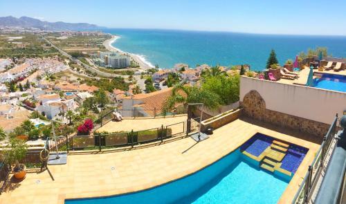 Utsikt över poolen vid Villa Vista Lara eller i närheten