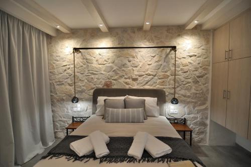 A bed or beds in a room at Kyanis Villa , Afiartis Karpathos