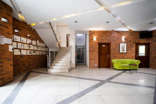 The lobby or reception area at Hotel AMARiZ