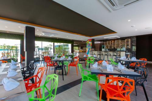 Ресторан / где поесть в Utopia Naiharn - SHA Plus