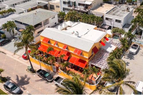 A bird's-eye view of Villa Sinclair Beach Suites and Spa