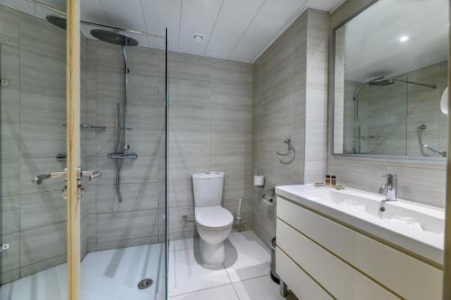 Ванна кімната в Tasia Maris Oasis