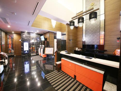 The lobby or reception area at APA Hotel Tsukiji-eki Minami