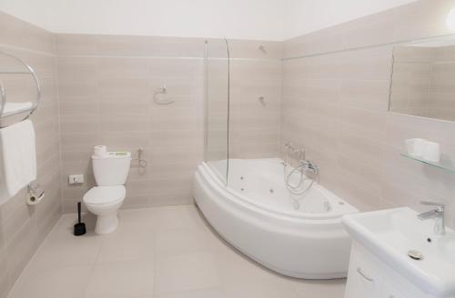 Łazienka w obiekcie Hotel Włókniarz