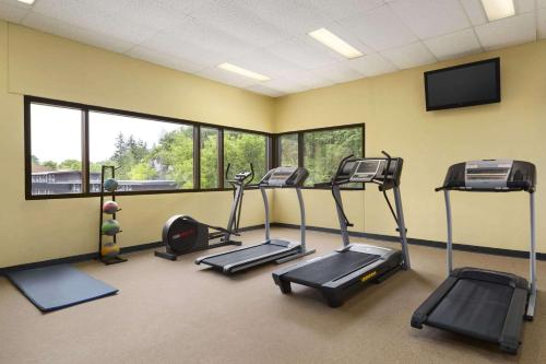 The fitness center and/or fitness facilities at Days Inn by Wyndham Kenora