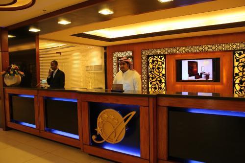 O saguão ou recepção de Ofoq Al Raha Hotel Apartment