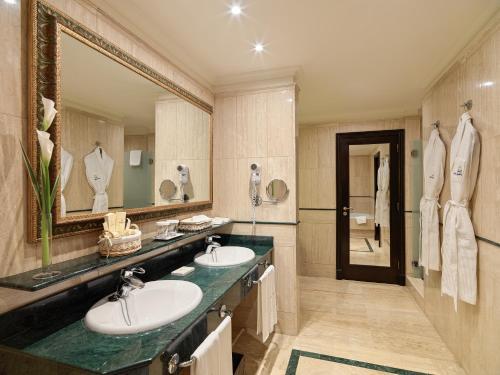 Salle de bains dans l'établissement Hotel Las Madrigueras Golf Resort & Spa - Adults Only