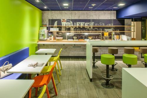 Lounge oder Bar in der Unterkunft Ibis budget Berlin Potsdamer Platz