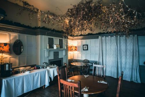 A restaurant or other place to eat at Royal Oak Hawkhurst