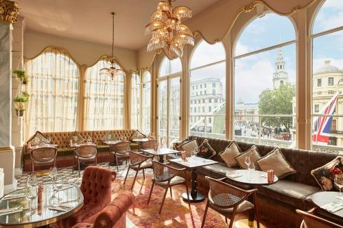 A restaurant or other place to eat at The Clermont London, Charing Cross