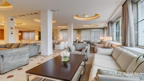 En sittgrupp på Hotel Illa d'Or & Club Apts 4* Sup