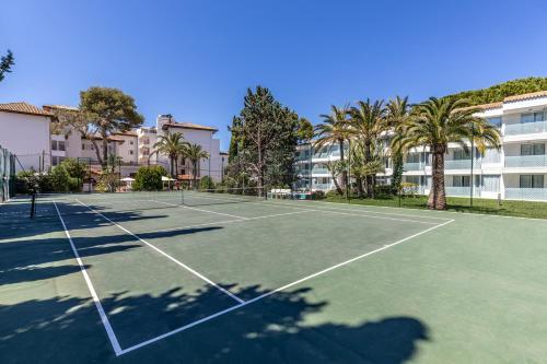 Tennis och/eller squashbanor vid eller i närheten av Hotel Illa d'Or & Club Apts 4* Sup