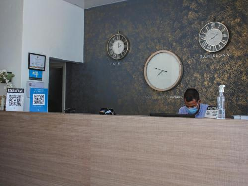 The lobby or reception area at Hotel Quinto Nivel