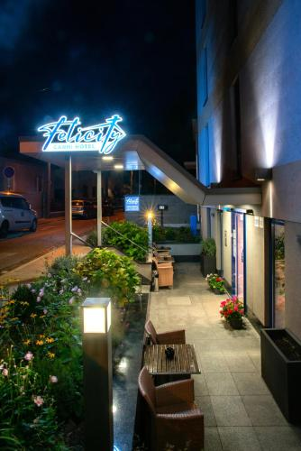 Felicity Garni Hotel