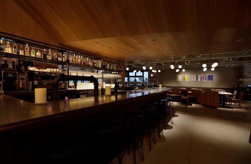 The lounge or bar area at THE KNOT TOKYO Shinjuku