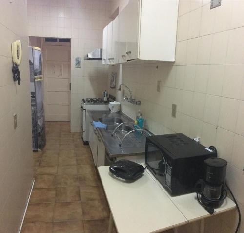 A cozinha ou cozinha compacta de Apartamento em Copacabana