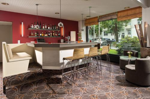 Лаундж или бар в Leonardo Hotel Berlin City West