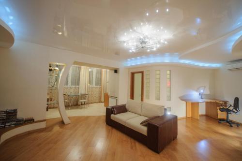 Гостиная зона в Апартаменты Петровские 80 кв м 2 комнатная в центре
