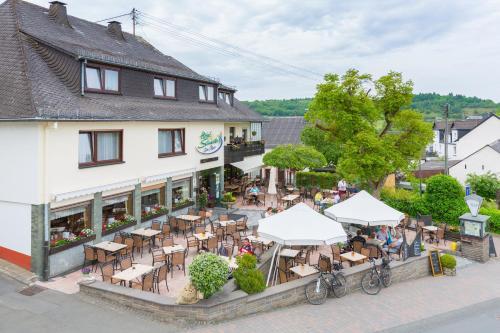 Eifel Hotel Schneider am Maar