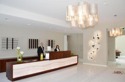 The lobby or reception area at Hotel do Parque