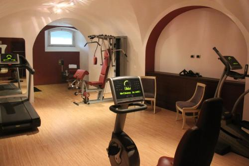 The fitness center and/or fitness facilities at Grand Hotel Palazzo Livorno MGallery