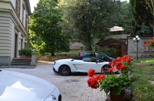 Piscina en o cerca de Residence Michelangiolo