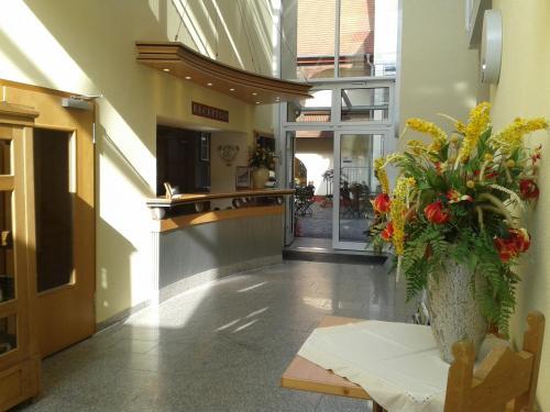 Lobby/Rezeption in der Unterkunft Garni-Hotel zum alten Ratskeller