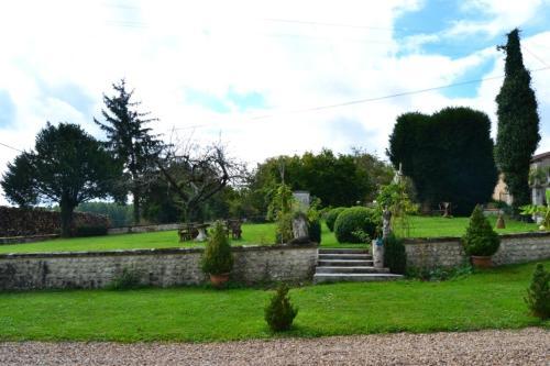 A garden outside Manoir La Breuille