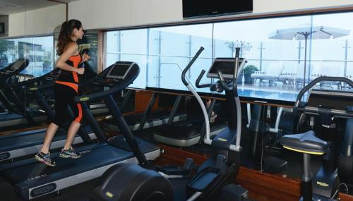 The fitness centre and/or fitness facilities at Miraflores Park, A Belmond Hotel, Lima