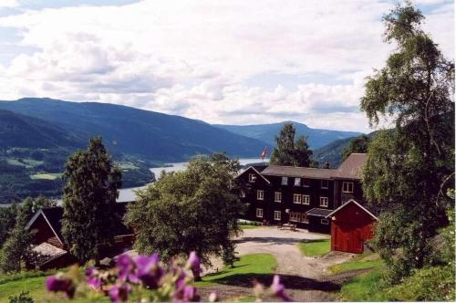 A general mountain view or a mountain view taken from the inn