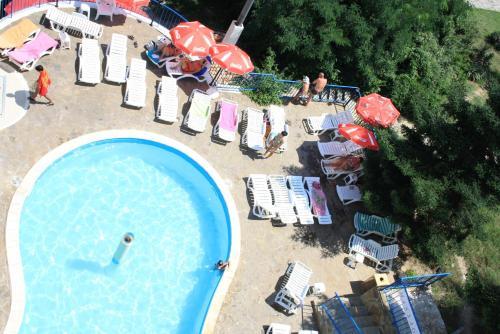 Вид на бассейн в Bonita Hotel или окрестностях
