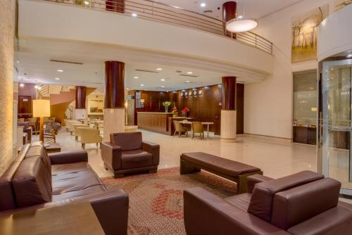 The lobby or reception area at Blue Tree Towers Caxias do Sul
