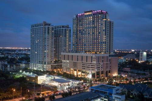 A bird's-eye view of The Grand Fourwings Convention Hotel Bangkok