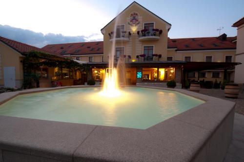 Bazén v ubytování Hotel Princess nebo v jeho okolí