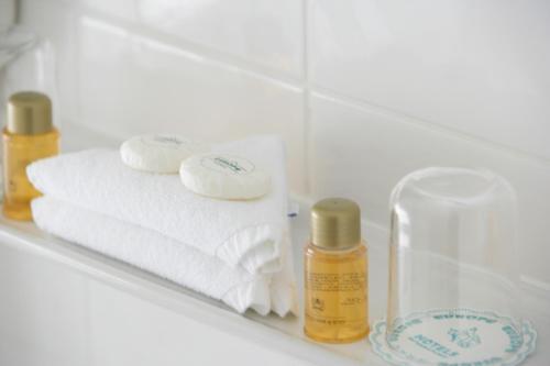 A bathroom at Hotel Senator München