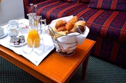 Breakfast options available to guests at Holiday Inn Ipswich Orwell, an IHG Hotel