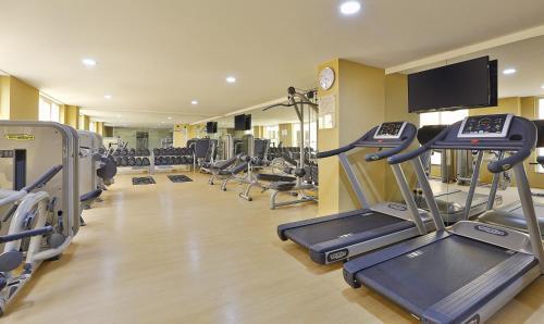 Das Fitnesscenter und/oder die Fitnesseinrichtungen in der Unterkunft Gateway Hotel