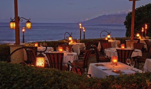 A restaurant or other place to eat at Four Seasons Resort Maui at Wailea
