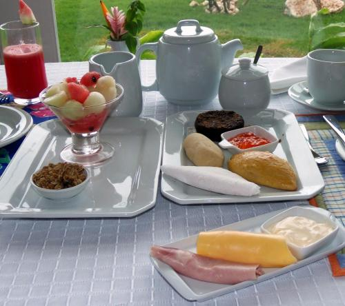 Breakfast options available to guests at Pousada Marceneiro