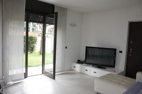 TV o dispositivi per l'intrattenimento presso Charming Apartment in Milan - East