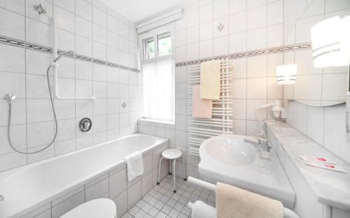 Ein Badezimmer in der Unterkunft Waldgasthof Wildbad