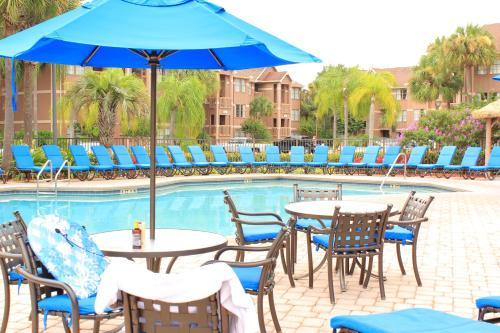 The swimming pool at or close to Polynesian Isles Resort By Diamond Resorts - Newly Renovated