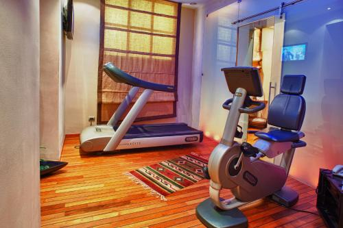 The fitness center and/or fitness facilities at Grand Hotel Wagner