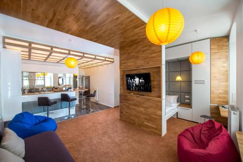 The lounge or bar area at LvivSon Apartments