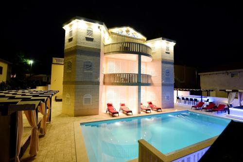 The swimming pool at or close to Apartments Villa Zlatko