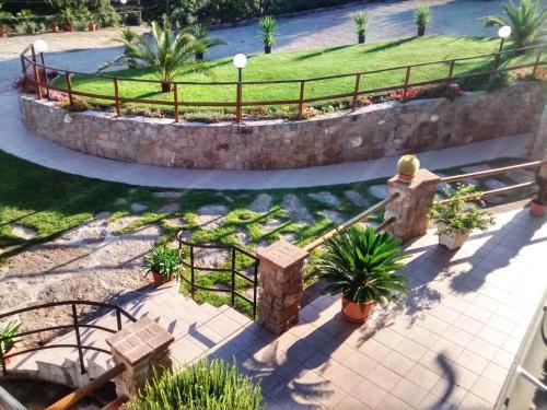 A view of the pool at Albergo Villa Riccio or nearby